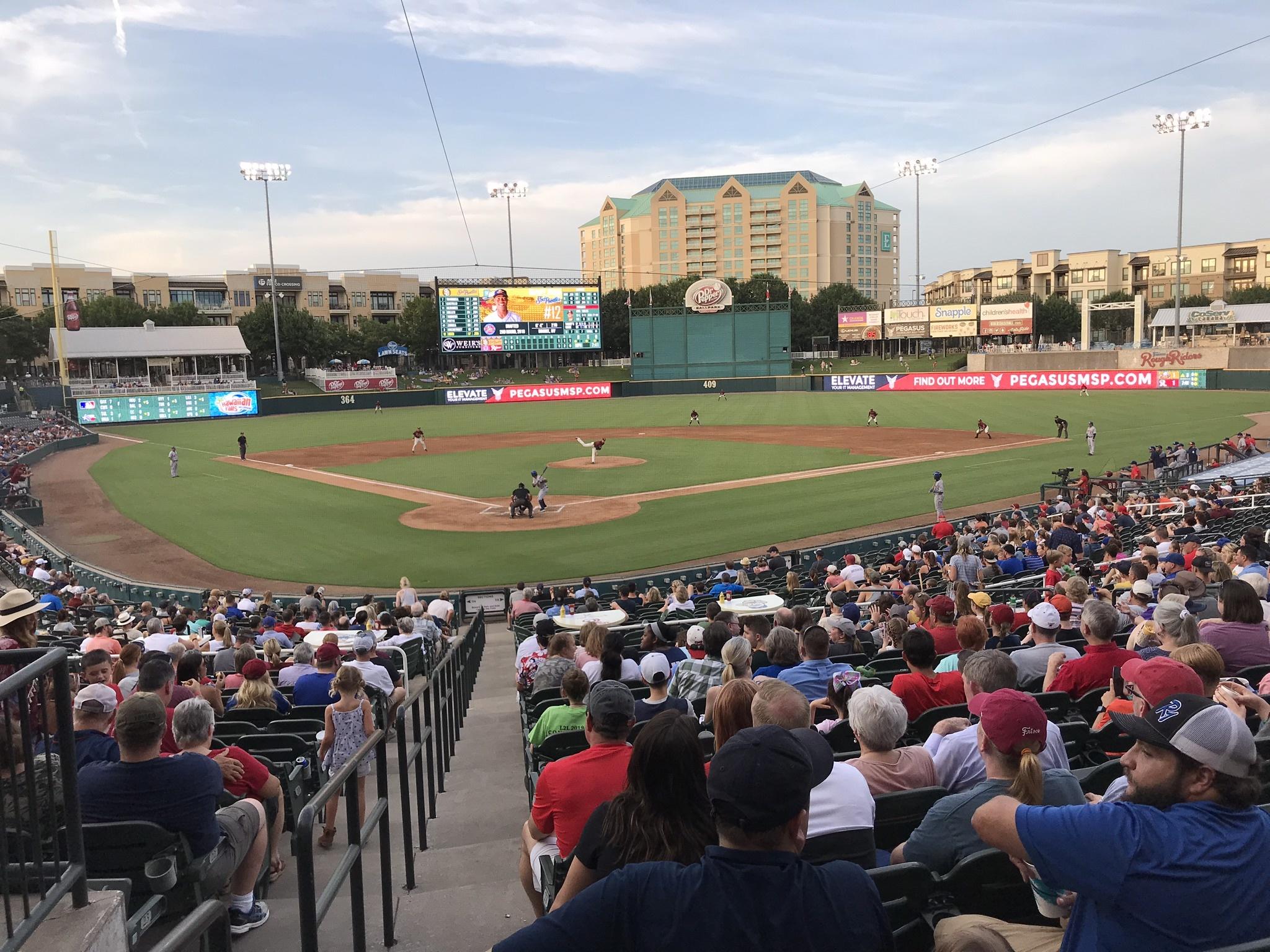 2Aテキサスリーグ、フリスコ・ラフライダーズの本拠地ドクター・ペッパー・スタジアムでの試合風景、2019年豊浦彰太郎撮影