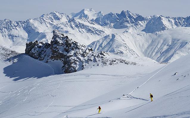 スキーでめぐる世界の雪の絶景