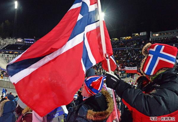 バイキング魂で意地のある応援が団体戦でノルウェーを銀メダルに押し上げた