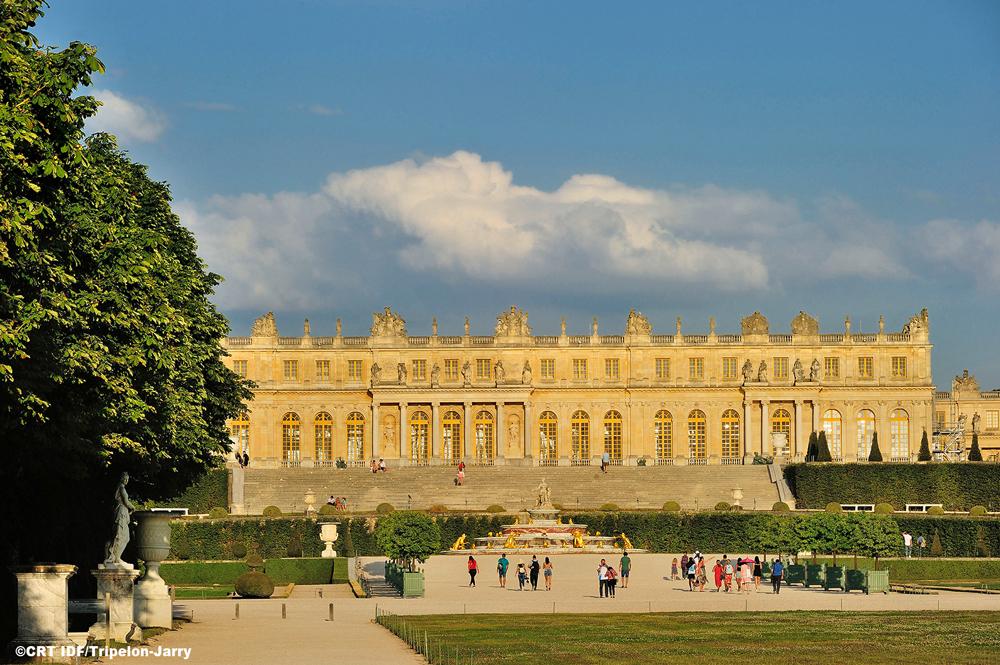 第21ステージの28.8km地点でベルサイユ宮殿前を通過する