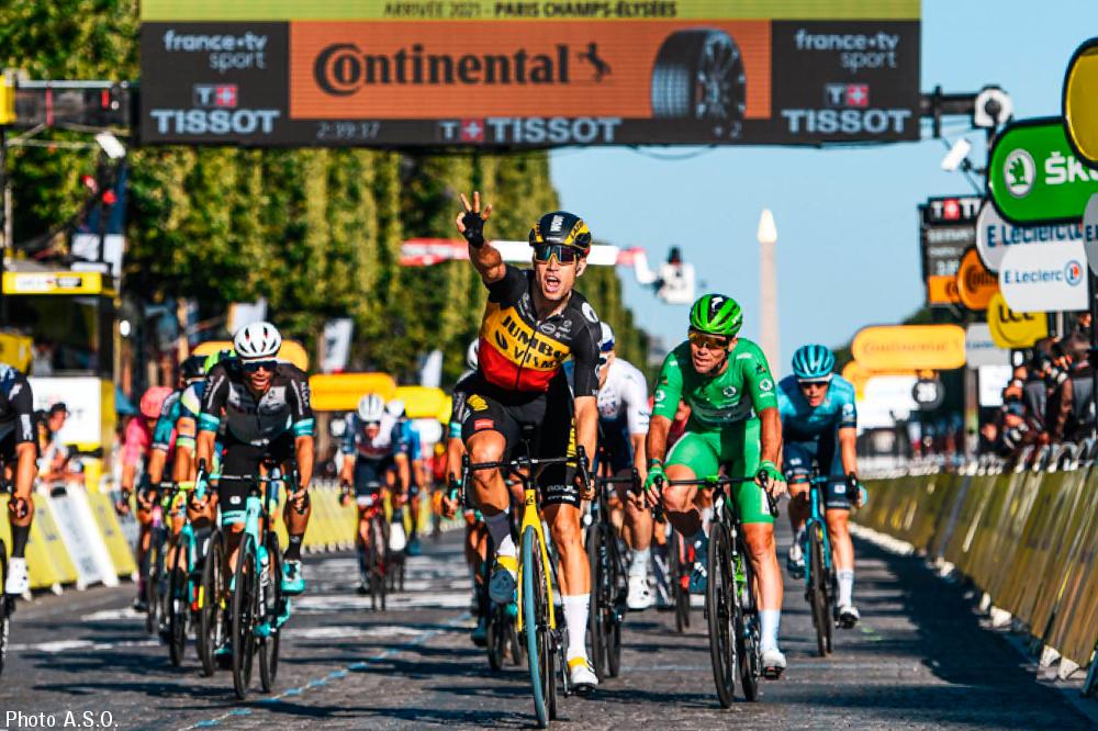 ファンアールトは今大会モンヴァントゥ二重登坂、個人タイムトライアル、シャンゼリゼスプリントと異なるステージで3度の区間優勝